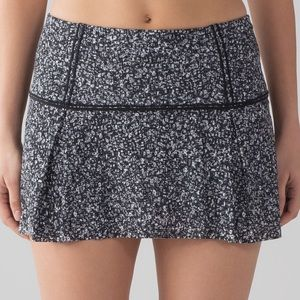 "New Lululemon Lost In Pace Skirt (Regular) (13"")"